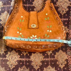 VTG 60s-70s LG TOOLED PAINTED LEATHER HIPPIE BAG